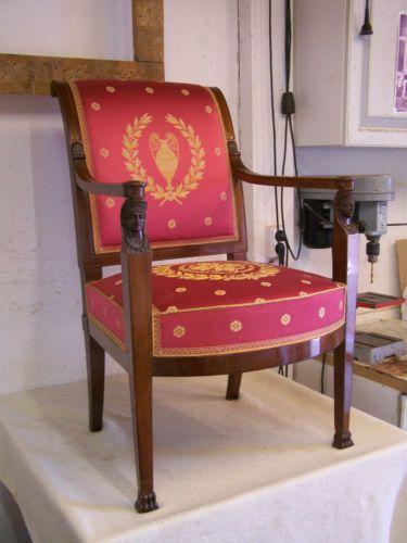 Empire-Biedermeier-Sessel-Polsterung-in-traditioneller-Machart .