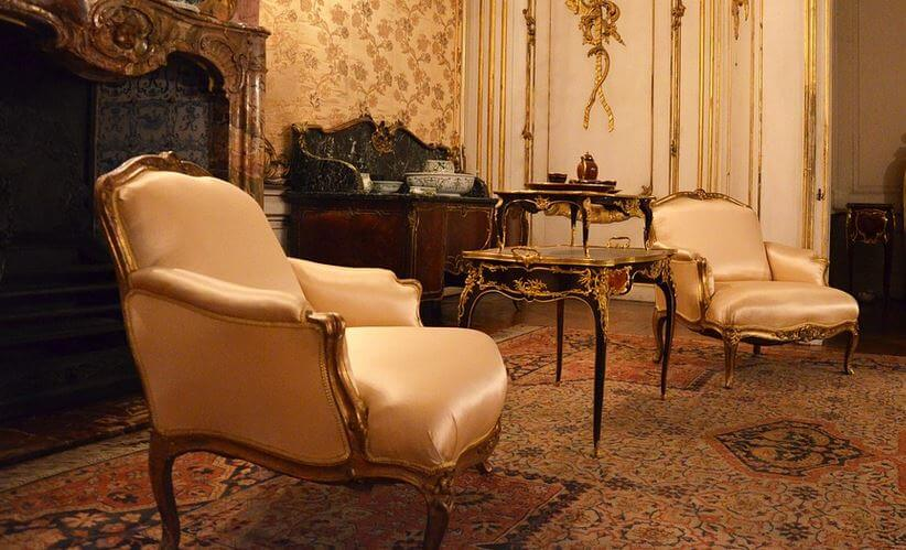 Antike Stühle, antike Sessel – Antiques and Design Ligh