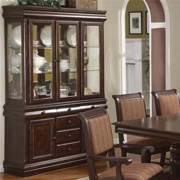 Tisch kommt mit 4 Beistellstühlen & 2 Armstühlen: Merlot Dinnig .
