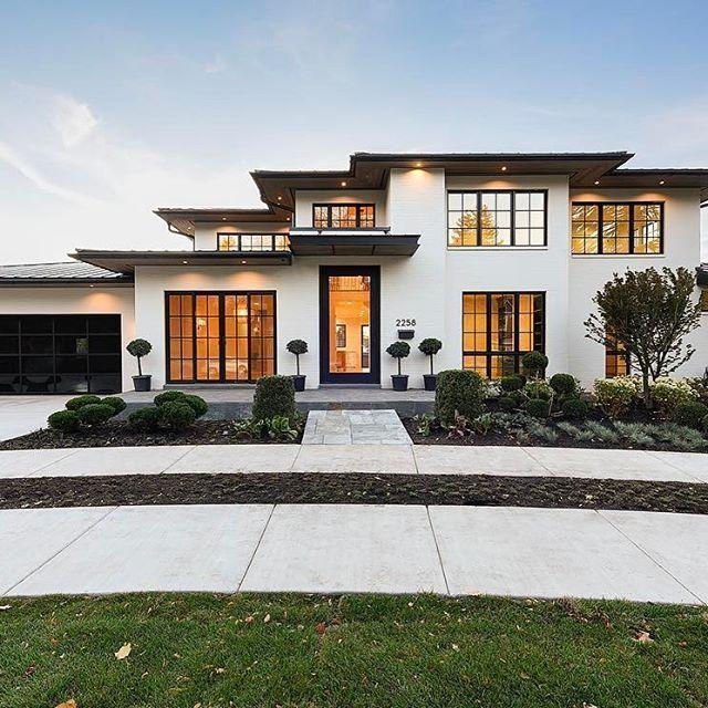 Majestic 24 Stylish Home Schwarz-Weiß-Außendesign ideacoration.co .
