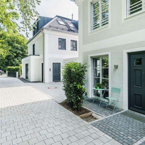 Pin von Klara Skalova auf House in 2020   Haus außendesign, Haus .