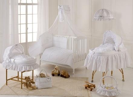 Schlafzimmer Weiches Rosa Weiße Vintage-Baby Kinderzimmer .