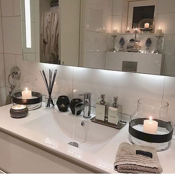 ♡ ᒪOᑌIᔕE ♡ | Wohnung badezimmer, Innendekoration, Badezimmer .