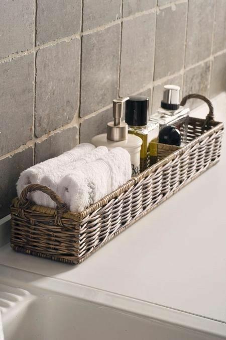 moderne Gestaltungsideen Flechtkorb Anwendung im Badezimmer .
