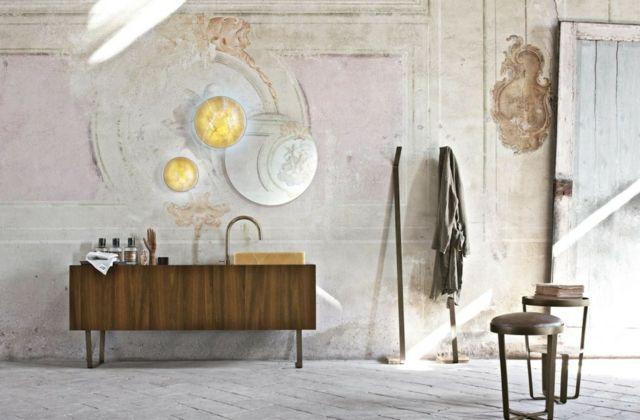 Exklusives Badmöbel Set von Altamarea mit Waschbecken aus Marmor .