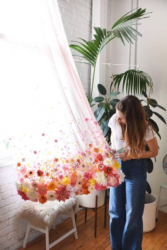 DIY BLUMENVORHANG | Selbstgemachte vorhänge, Blumenvorhang .