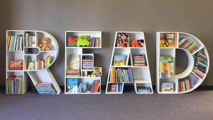 Dies ist eine so niedliche Idee für ein Bücherregal für Kinder .
