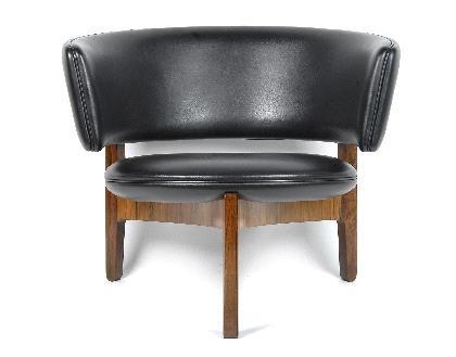 Sessel Modell 104 easy chair by Sven Ellekær on artn
