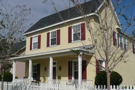 Haus Orlando: Schönes Eckhaus mit großem Garten im Baldwin Park in .