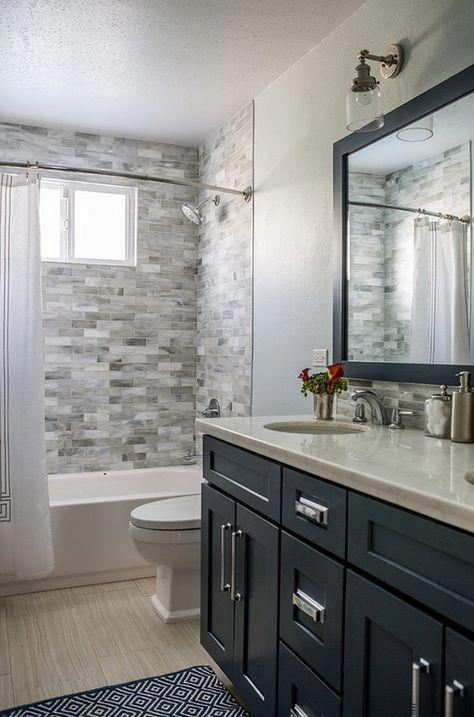 Das traditionelle Design der Badezimmer-Einrichtungsgegenstände .