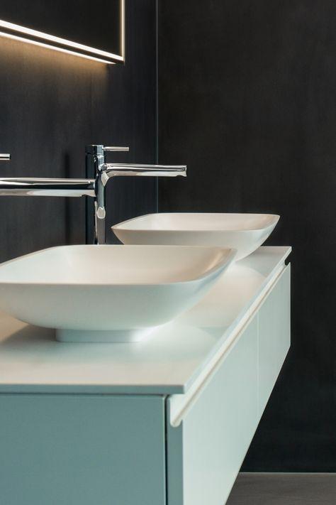 Fugenlose, mineralische Boden- & Wandbeläge   Badezimmerboden .