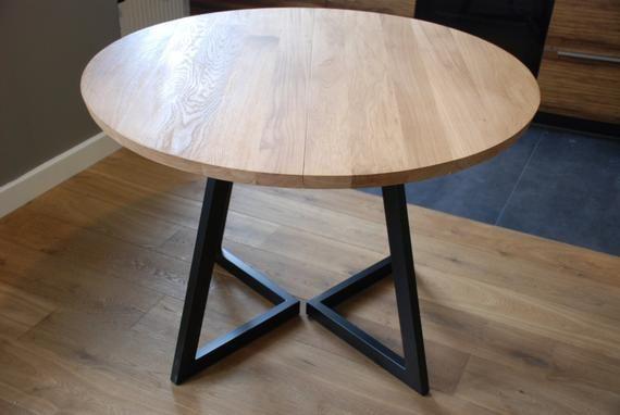 Erweiterbarer Esstisch für kleine Räume .