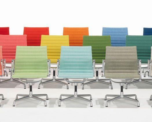 Bunte Bürostühle #bunte #burostuhle in 2019 | Eames stuhl .