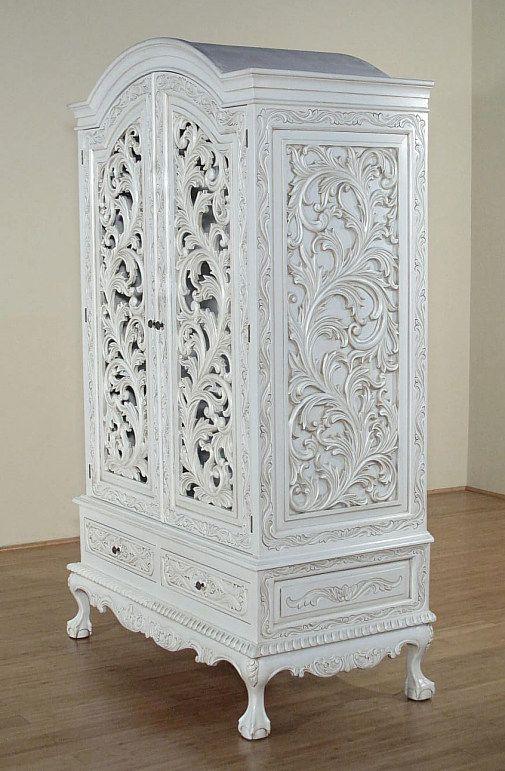 Weißer geschnitzter Schrank - französischer Stil - #französischer .
