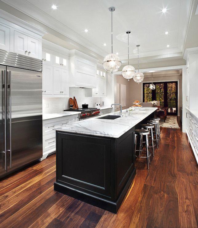 Moderne Galeere-Küchen-Entwürfe mit Insel-langer Küchen-Insel .