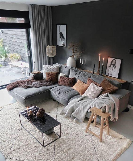 Modernes Wohnzimmer, skandinavisches Design, graue Couch, graue .