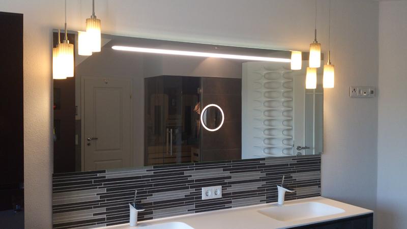 Badspiegel, Badspiegel mit Beleuchtung, Badspiegel mit Kosmetikspieg