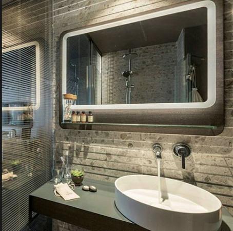 Große Badezimmerspiegel
