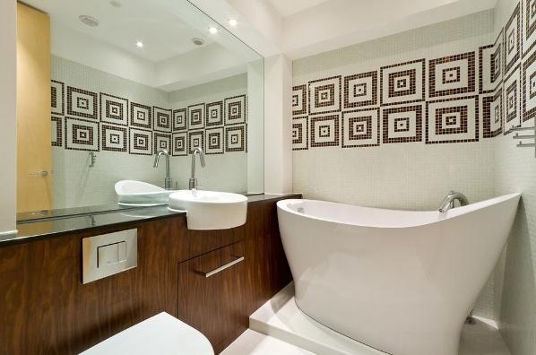 kleine und moderne badezimmer mit badewanne freistehend und große .