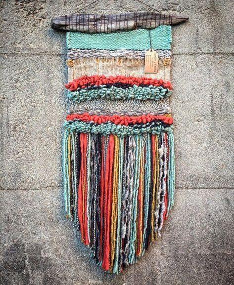 Handgemachte gewebte Teppiche | Gewebter wandbehang, Webstuhl diy .
