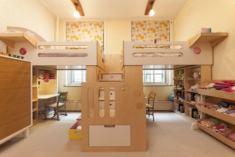 Hochbett für Schlafzimmer und Kinderzimmer spart Platz .