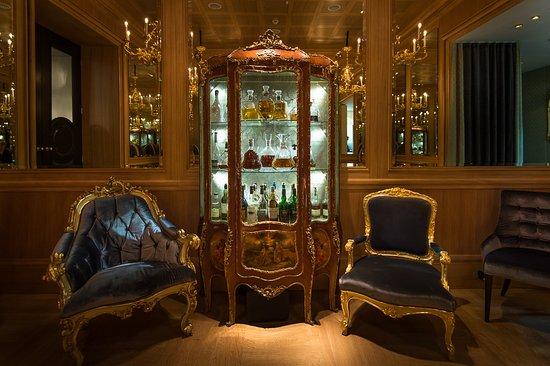 Louis XIV Möbel - Picture of Le Bar, Vienna - Tripadvis