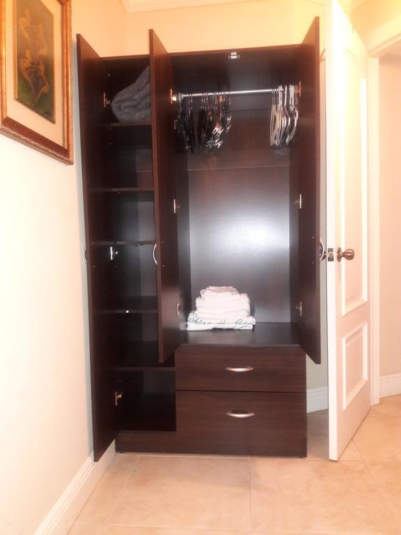 COZY SML BDRM IN MY CONDO (USA Miami) - Booking.c