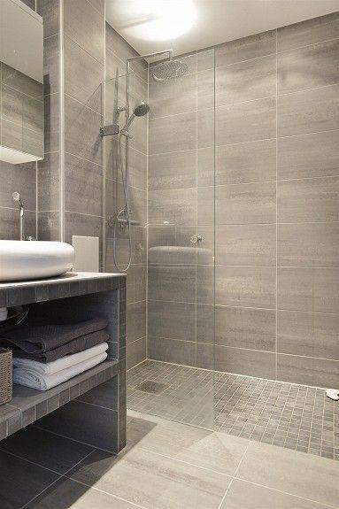 Schönes kleines Duschbad. | Bathrooms remodel, Small bathroom .