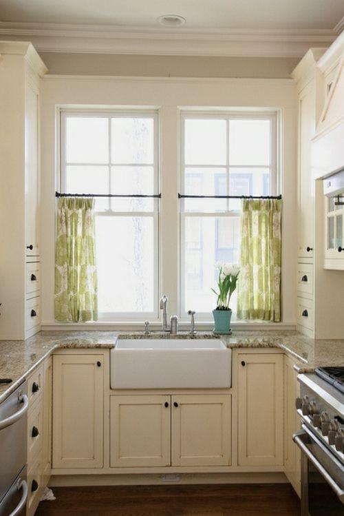 Küchenvorhänge dienen als Sonnenschutz und peppen Ihre Küche und .