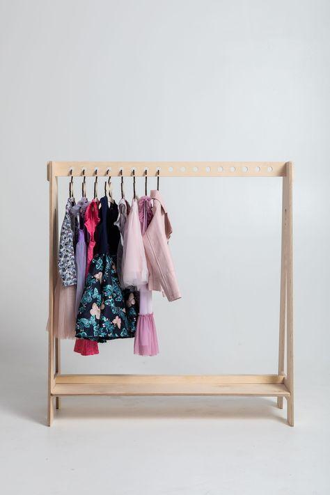 Kinder verkleiden sich Kleiderbügel Holz Kleiderständer Kinder .