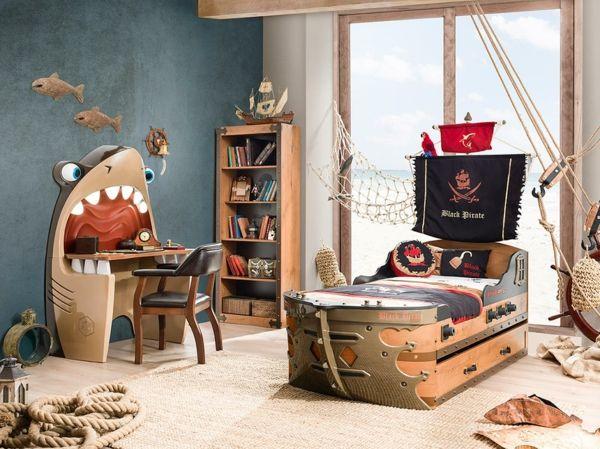 Ausgefallene Kinderbetten als Hauptakzent im Kinderzimmer .