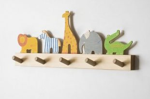 Kindergarderobe Wilde Tiere | Small wood projects, Easy wood .