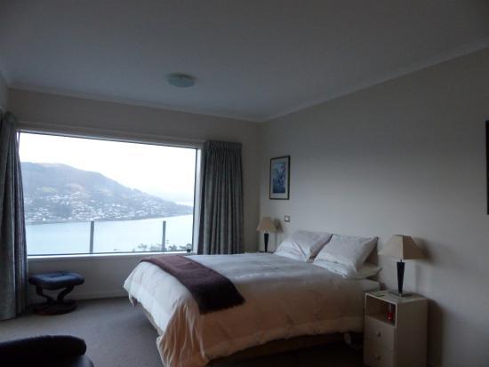 Schlafzimmer mit King-Size-Bett - Picture of Glenrowan Heights Bed .