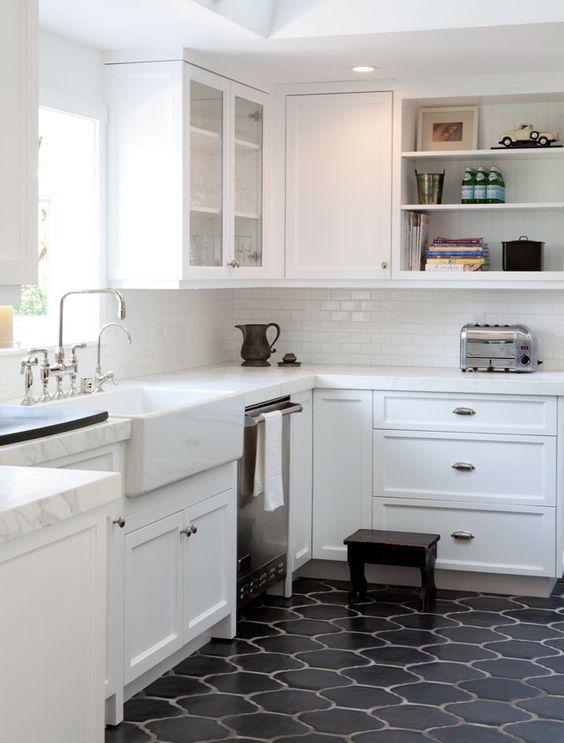 kleine Küche umgestalten Boden auf einem Etat | Kitchen remodel .