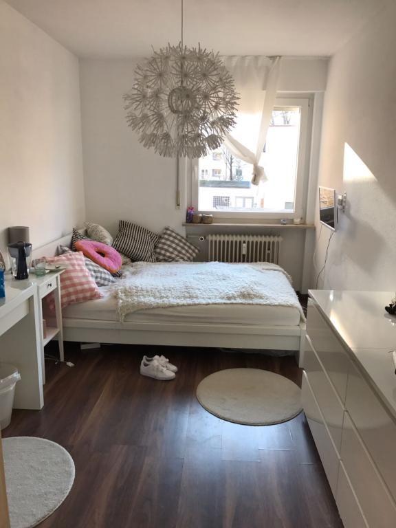 Süßes, helles Zimmer #cosy #girly #bed | Schlafzimmer einrichten .