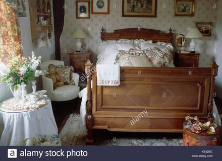 Schlafzimmer Weiche Helle Farben Großes, Bequemes Kleines .
