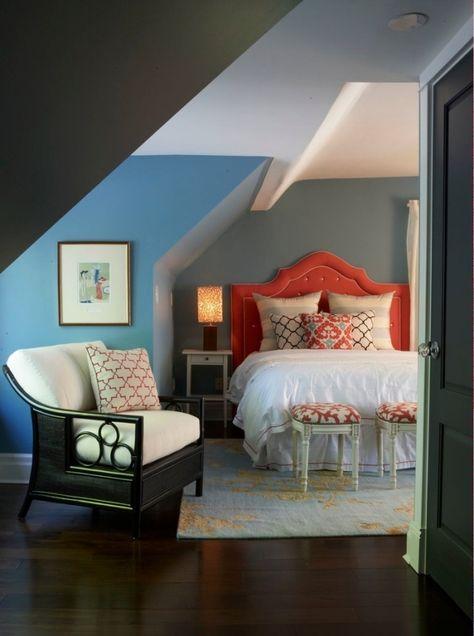 Schlafzimmergestaltung mit Dachschräge zum Wohlfühlen .