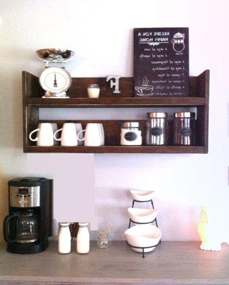 Rustikales Küchenregal, Kaffeeregal, Kaffeebarregal, Altholz .