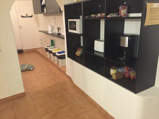 Küchenregal - Picture of Next Inn, Portimao - TripAdvis