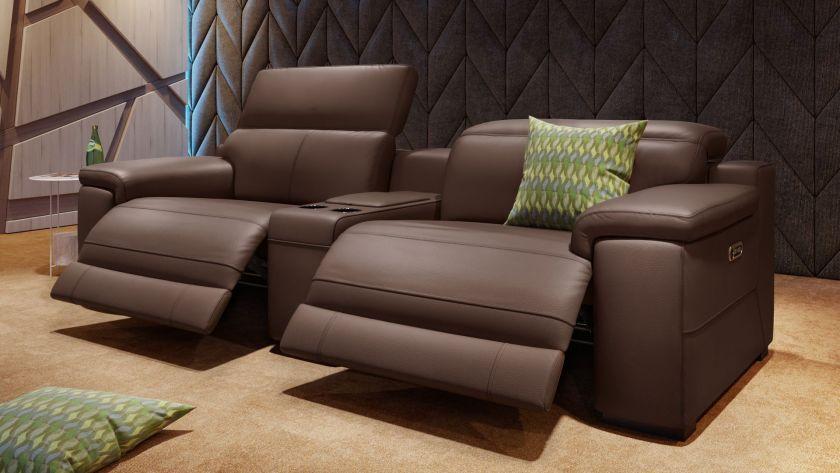 Das perfekte Heimkino Sofa: Das 2-Sitzer Ledersofa Sora erinnert .