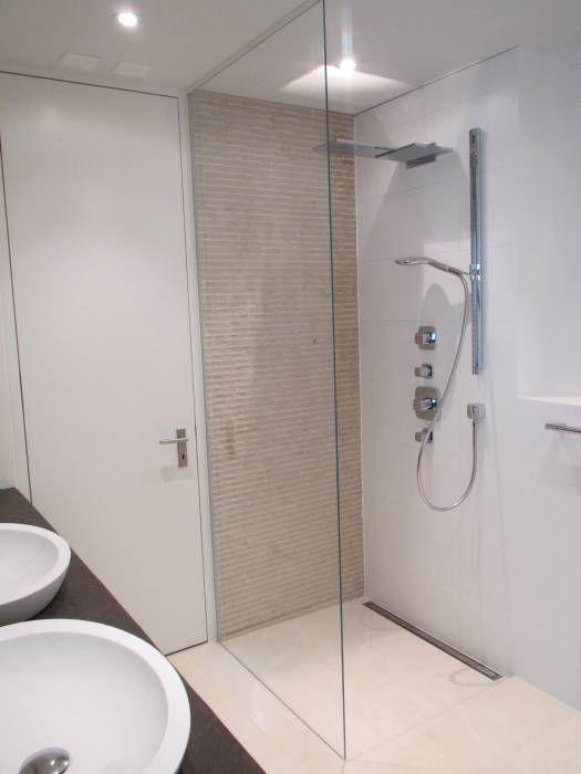 Begehbare duschen moderne badezimmer von bauarena modern | Kleine .