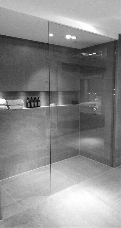 20+ moderne Badezimmerideen mit minimalistischem Dekor .