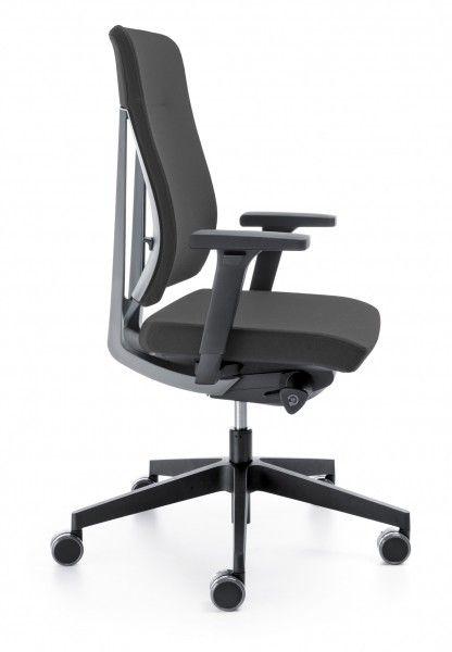 Der Bürostuhl ist Teil einer Reparaturarbeit im Bürostuhl .