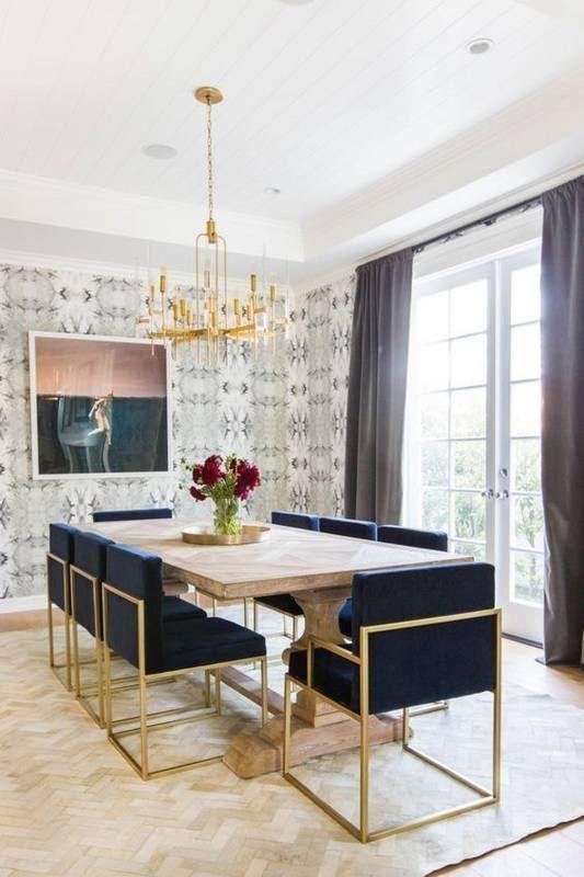 Art deco navy und gold gepolsterte stühle schaffen eine coole glam .