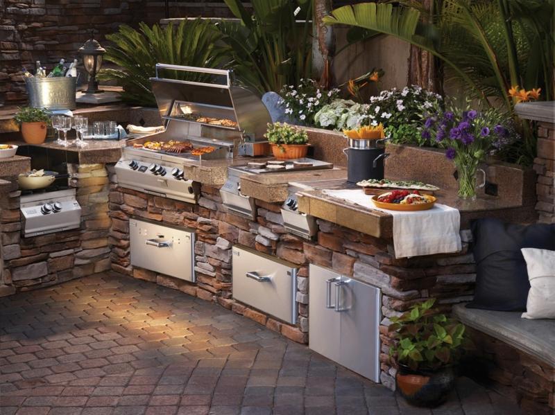 Wie Sie die passende Outdoor-Küche für die Terrasse wähl