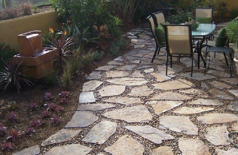 Stone patio with small stones | Diy terras