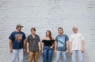 Backyard Loveseat @Barrelhouse South   Music   Savannah News .