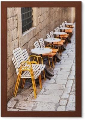 Fototapete Reihe von Kunststoff-Restaurant Stühle und Tische .