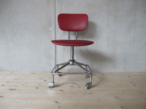roter Bürostuhl | Roter bürostuhl, Rote stühle und Stüh