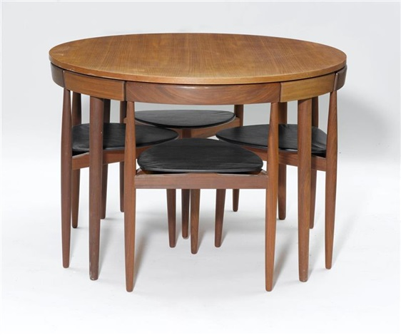 Runder Tisch mit 4 Stühlen set of 5 by Hans Olsen on artn